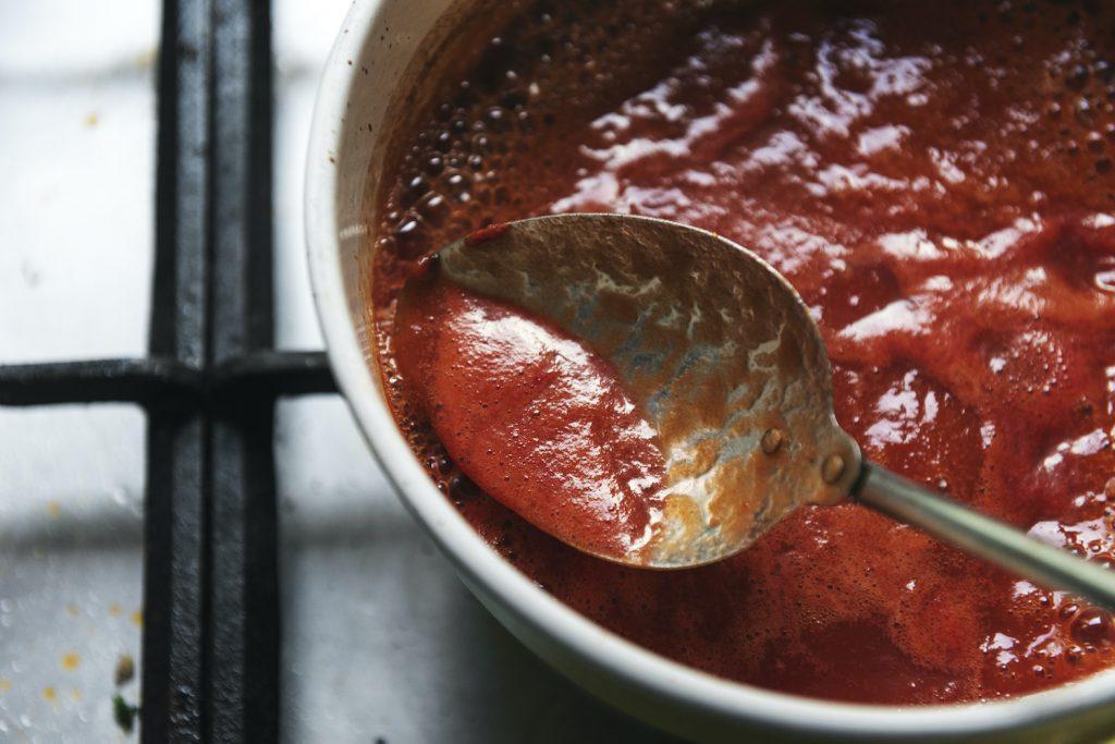 薄口しょうゆが決め手の「トマトソース」のサムネイル